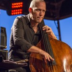 portraits-avishai-cohen-trio-festival-au gr+¿s-du jazz-la-petite-pierre-2014-marie-colette-becker-01