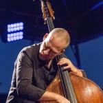 portraits-avishai-cohen-trio-festival-au gr+¿s-du jazz-la-petite-pierre-2014-marie-colette-becker-09