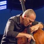 portraits-avishai-cohen-trio-festival-au gr+¿s-du jazz-la-petite-pierre-2014-marie-colette-becker-12