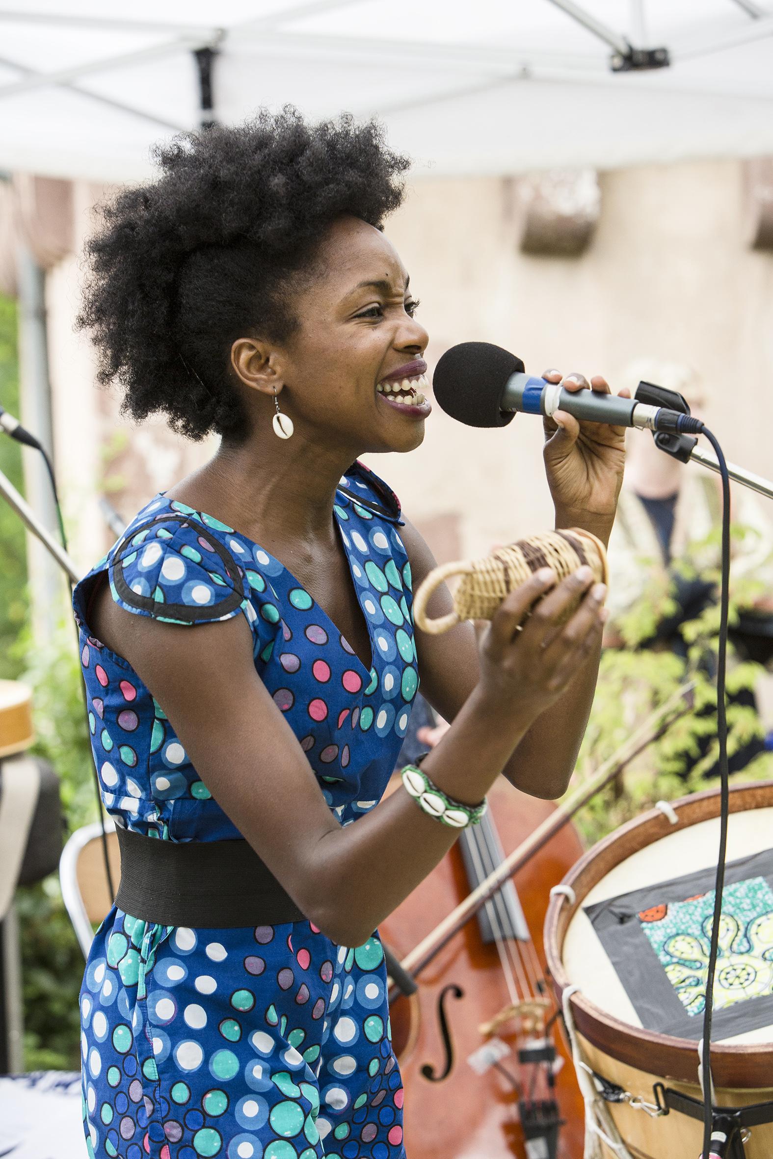 portraits-lucia-carvalho-festival-au-gr+¿s-du-jazz-la-petite-pierre-2015-marie-colette-becker-02