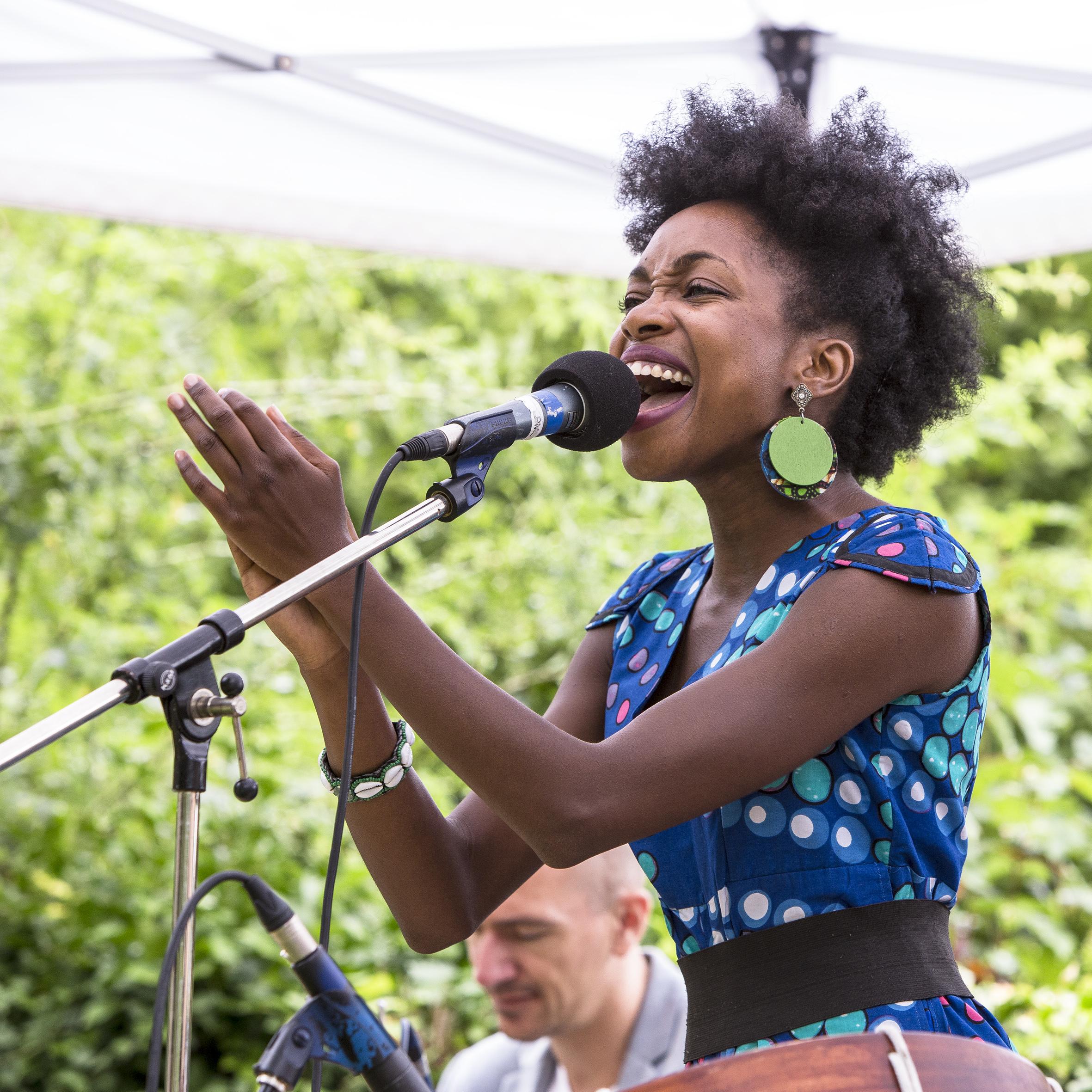 portraits-lucia-carvalho-festival-au-gr+¿s-du-jazz-la-petite-pierre-2015-marie-colette-becker-16